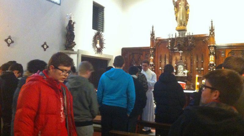 Misa en las Carmelitas (Aldehuela)